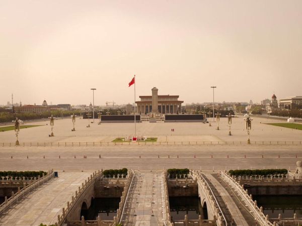 Silent World - Lucie and Simon - Tiananmen Square